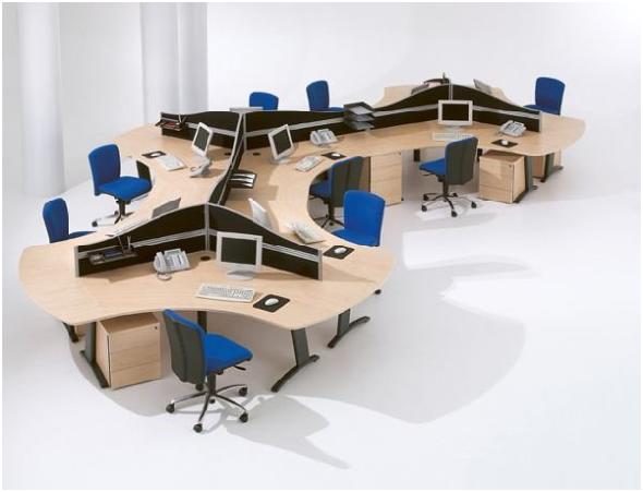 vách ngăn giúp tăng ân tượng cho bàn ghế văn phòng