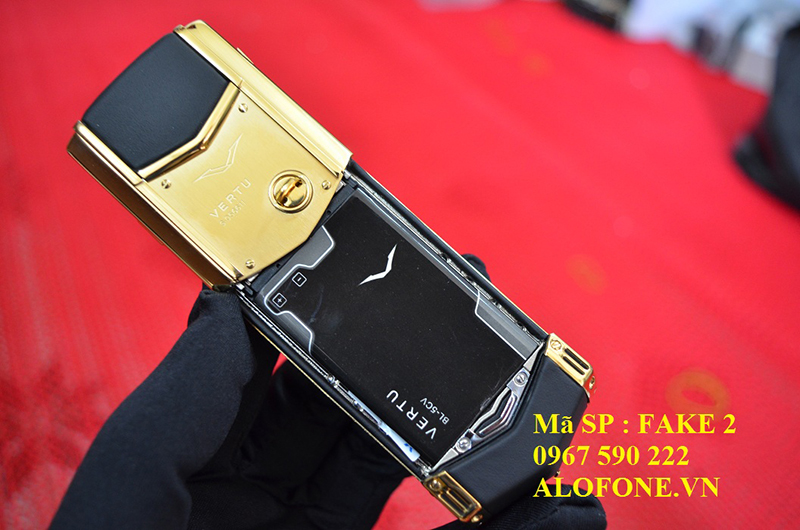 pin-vertu-fake-2