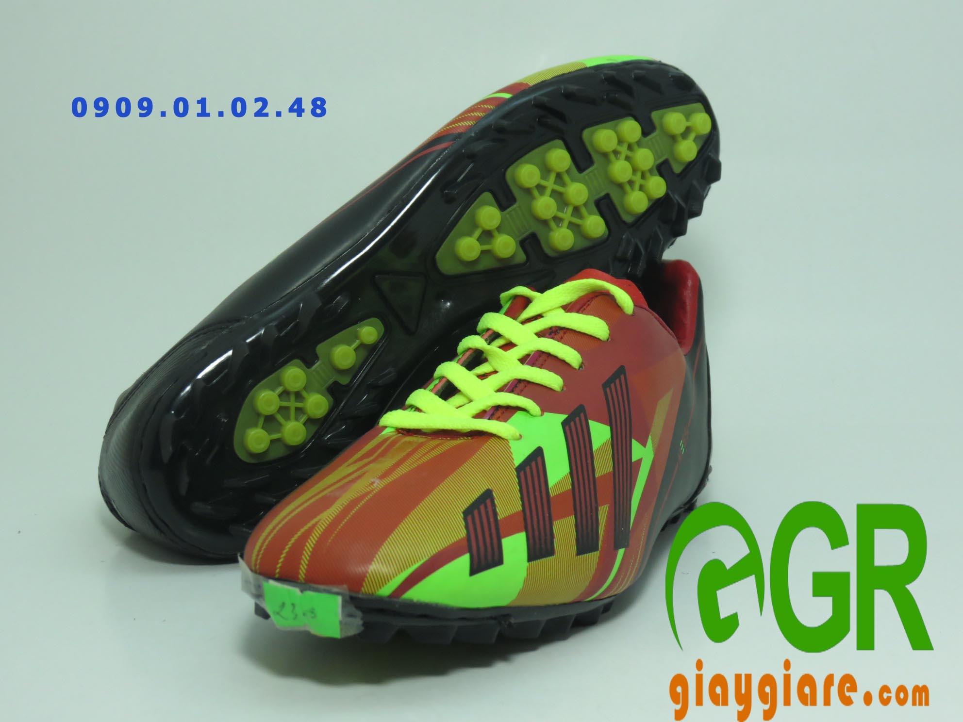 giày đá banh Nike