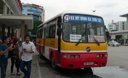 quảng cáo trên xe bus tuyến 71