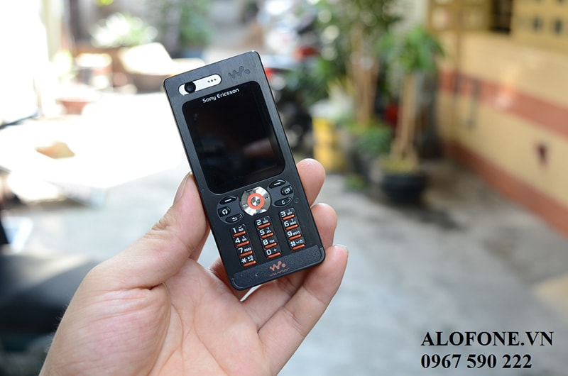 sony-ericsson-w880i-chinh-hang